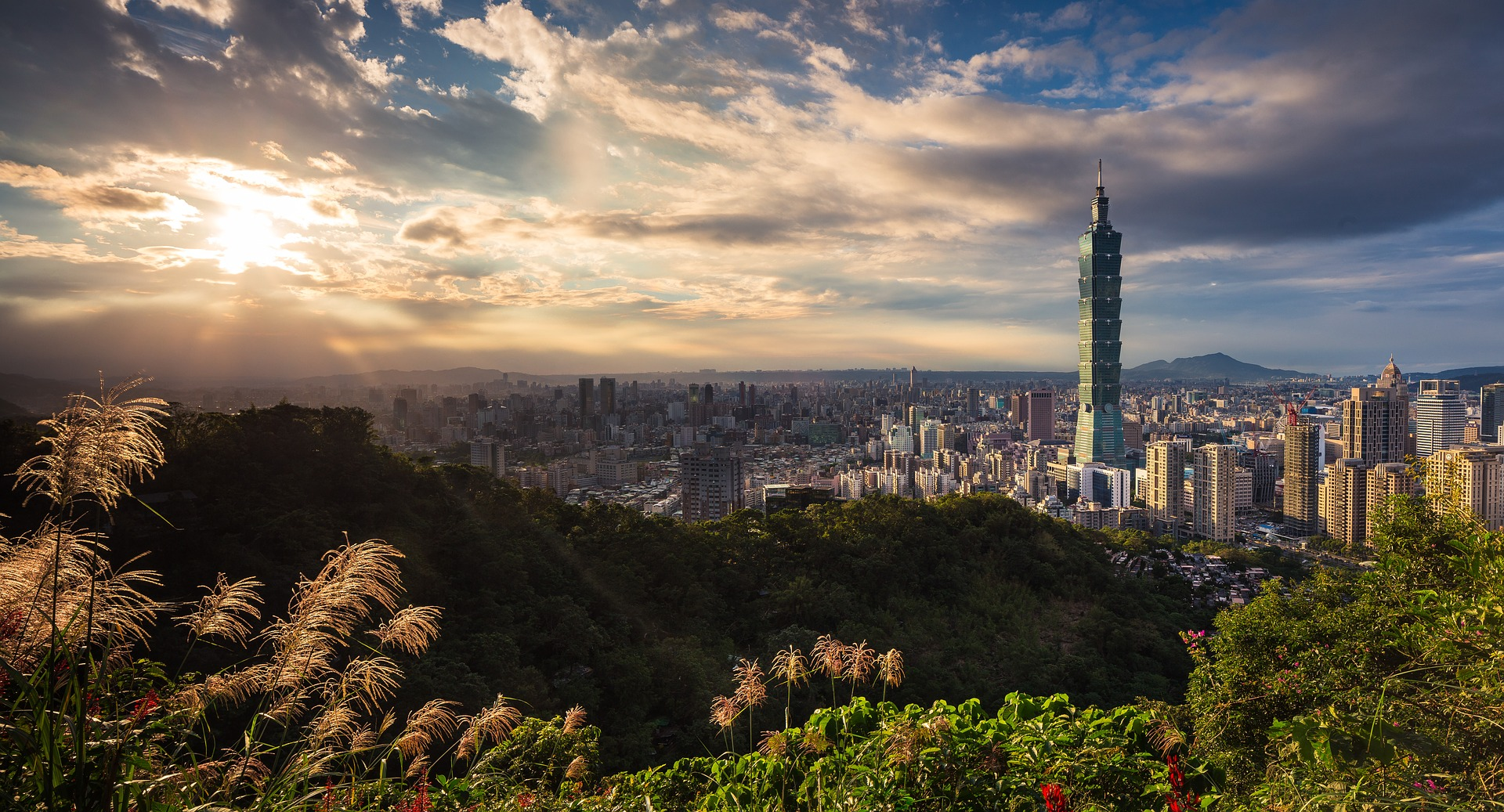 Taipei 101, Taiwan (By Pexels on Pixabay)